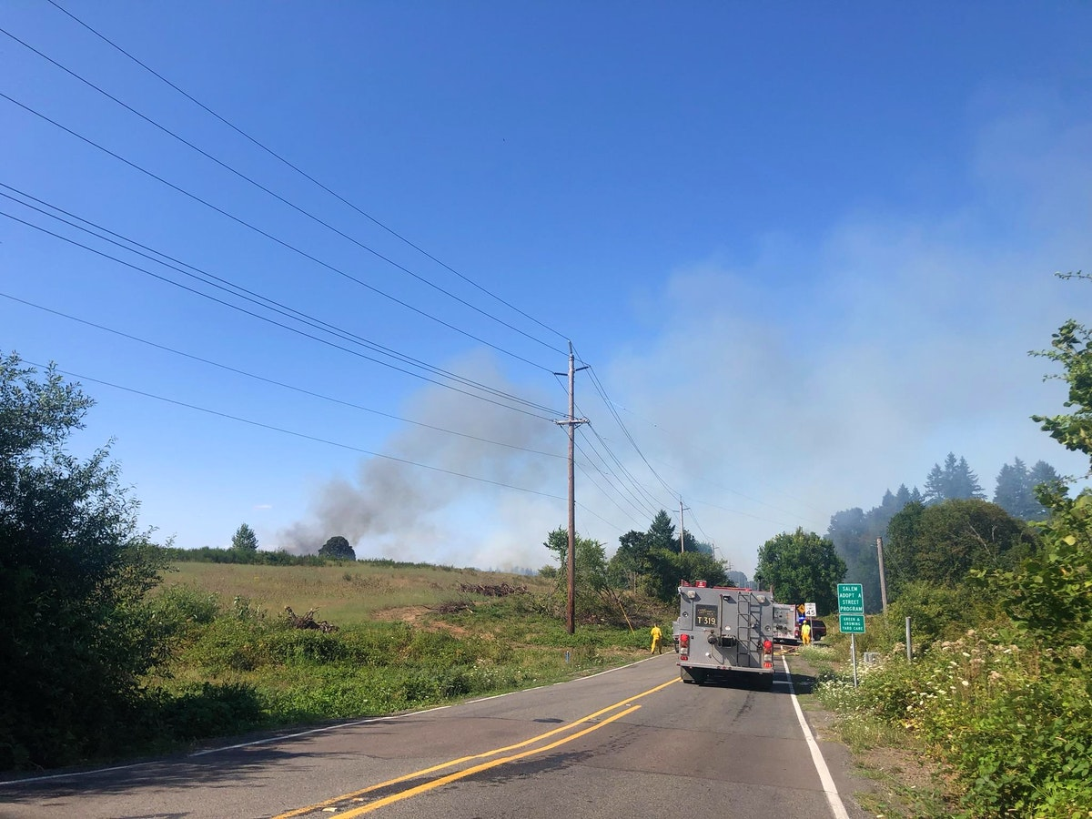 Brush fire burning off Reed Road in southeast Salem | Salem