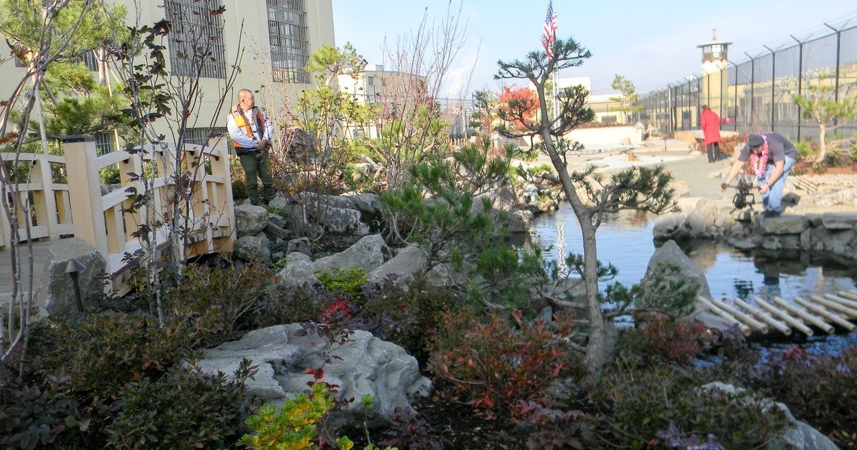 Oregon State Penitentiary Unveils New Healing Garden Salem Reporter News About Salem In Depth Accurate Trusted